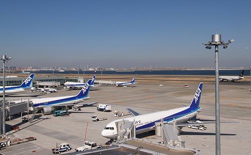 羽田空港に並んでいる飛行機