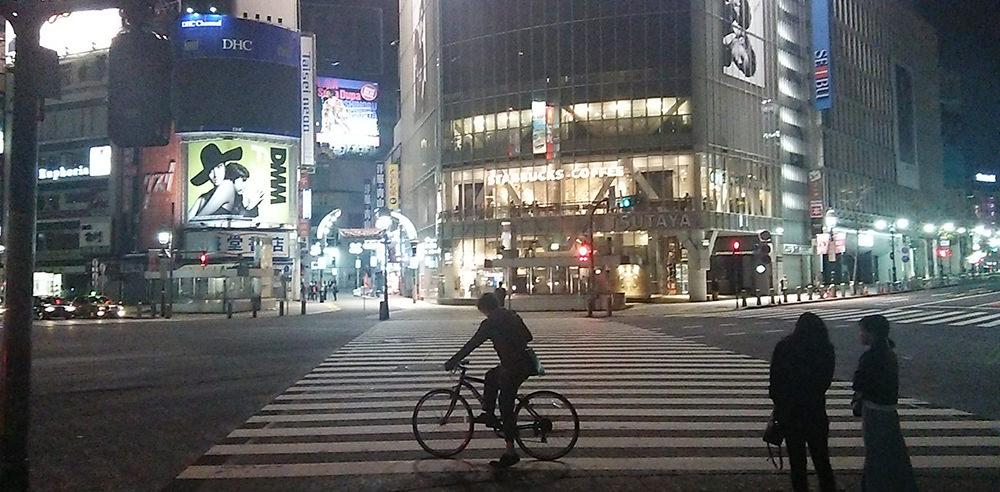 真夜中の渋谷QFRONT